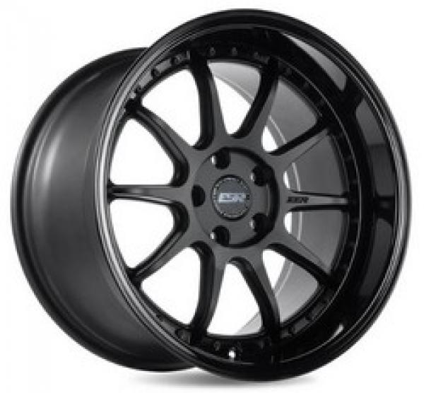 CS12 MATTE BLACK/GLOSS BLACK LIP 18x8.5 5x114.3 et30 cb72.6